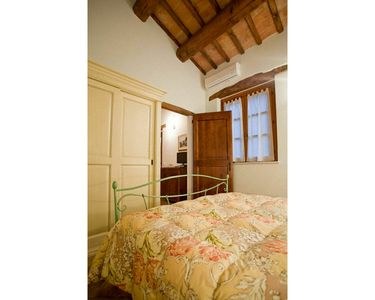 Photo for Lovely apartment in villa for 4 people with WIFI, A/C, pool, TV, pets allowed and parking