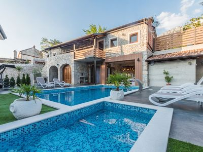 Photo for Luxury stone villa with heated pool, children's pool and courtyard in the countryside