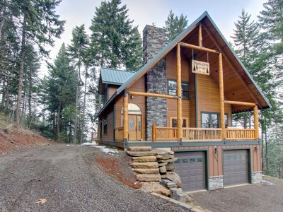 Photo for Spacious lodge for 8 w/private deck & game room, pool table