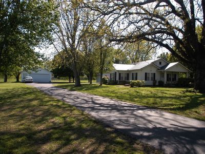 Photo for 3BR House Vacation Rental in Lawrenceburg, Tennessee