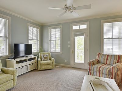 Photo for Big Refurnished Townhome in Sunset Island - Wi-Fi Ind/Outdoor Pools, Priv Beach
