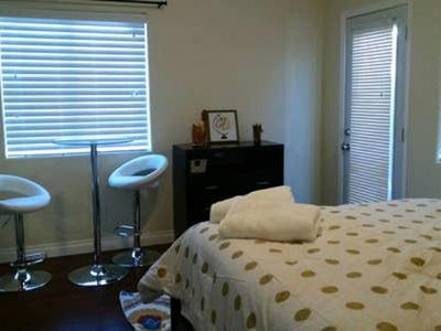 Photo for QUIET ROOM 10 MINUTES FROM DOWNTOWN LA