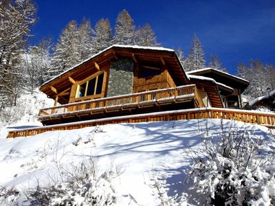 Photo for Surface area : about 180 m². Orientation : South, South-West. View ski slopes and mountain