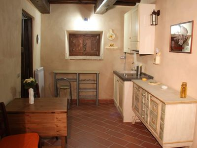 "Photo for ""Sunflowers"": Beautiful country apartment with pool, near Cinque terre"