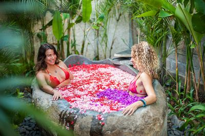 Have you ever tried a flower bath? (flower in option)