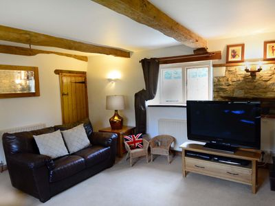 Photo for 3 bed cottage in the heart of the Cotswolds