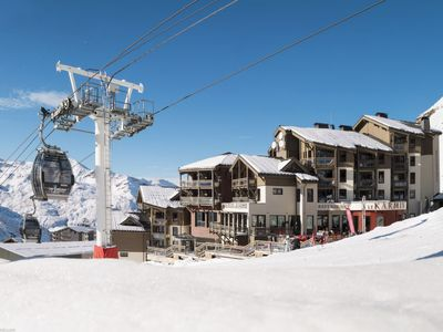 Photo for Val Thorens Apartment, Sleeps 6 with Pool and Free WiFi