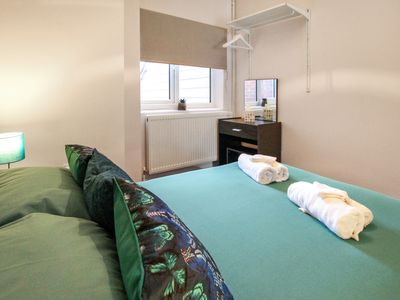 Photo for Self-contained 1 Bed Flat Town Center High Wycombe