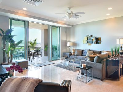 Photo for ~ STEAMPLANT 208 ~ Luxurious Condo w/ Breathtaking Views & Rooftop Pool