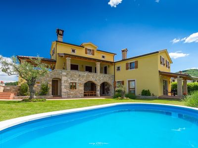 Photo for Stunning villa in picturesque Istrian countryside