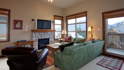 Photo for Mountain Star 13  3 Bedroom Townhome Close To Ski Hill, Private Hot Tub
