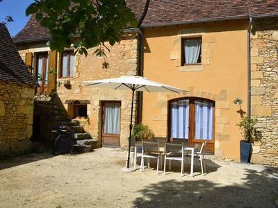 Photo for Charming cottage in the Black Perigord 20 minutes from Sarlat