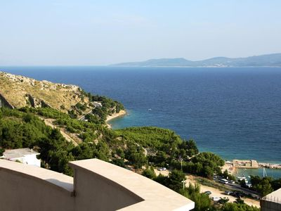 Photo for One bedroom apartment with terrace and sea view Lokva Rogoznica, Omiš (A-12906-a)