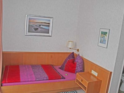 Photo for Single Room with Balcony - Hotel Garni Pension Zur Rose