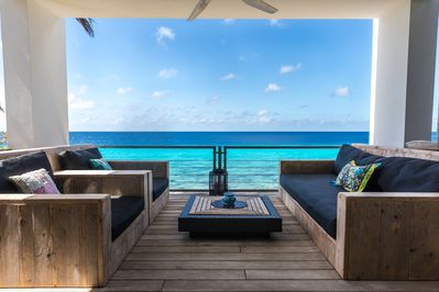 Lounge area at Casa Esmeralda ~Bonaire vacation rental home~