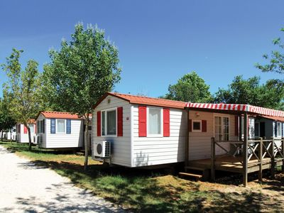 Photo for Mobile home in seafront holiday park with 3 swimming pools