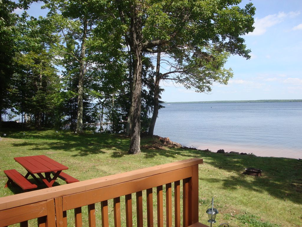 & Rest And Relaxation At The Lake - VRBO