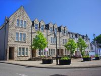 Well-equipped flat in a good position in the centre of Dornoch