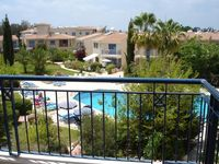 A very nice flat - recommended. Lovely pool and well equipped flat.