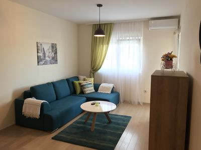Photo for Cozy Apartment In Chic Part Of Town