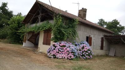 Photo for Welcome to a farmhouse in the Landes