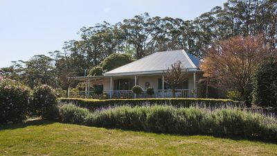 Photo for The Tor, Southern Highlands - 4pm Check Out Sundays