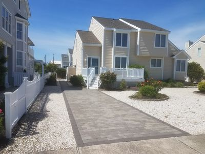 Photo for 3 bedroom, 2-bath town home is only 3 blocks to the beach, family recreation and restaurants