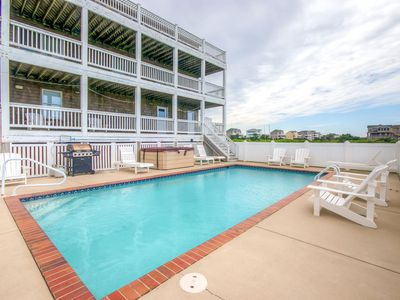 Extraordinary Soundfront Home-Pool, Hot Tub, DogFriendly, GameRm, Cmty Boat Ramp
