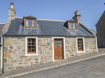 Photo for SEA BREEZE COTTAGE, family friendly in Cullen, Ref 993331