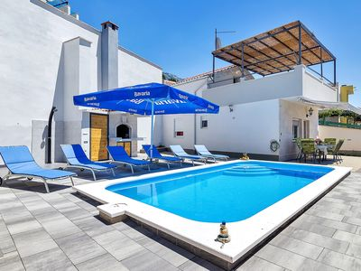 Photo for ctma214/  Holiday home with private pool ideal for a family or a small group in Makarska, 6 pers.
