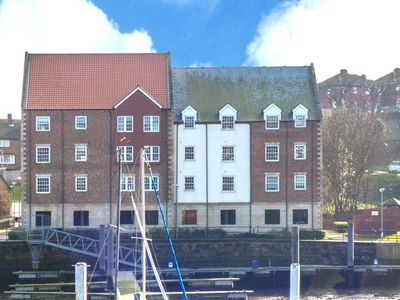Photo for THE MOORINGS, family friendly, with a garden in Whitby, Ref 29680