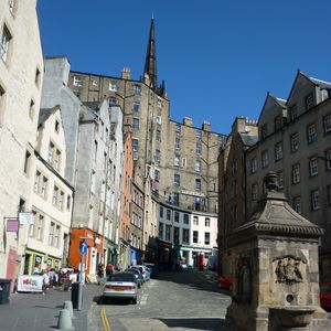 Photo for Beautifully upgraded 2 bedroom 1st floor flat in heart of Edinburgh's old town