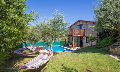 Photo for 2 bedroom Villa, sleeps 4 in Patellári with Pool, Air Con and WiFi
