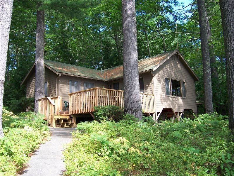 Quiet lakefront cabin with dock deck cano vrbo for Cabin rentals in maine with hot tub
