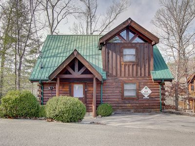Photo for BEAR'S BLESSING....YOUR HOME IN THE SMOKIES!