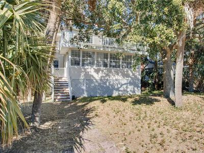 Photo for Seabiscuit: 4 BR / 2 BA home in Folly Beach, Sleeps 10