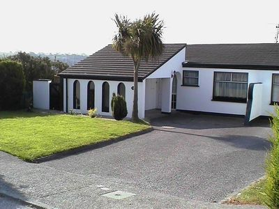 Brilliant Bungalow In Kinsale With Great Views Just 5 Minutes Walk To Kinsale Centre Kinsale Interior Design Ideas Clesiryabchikinfo