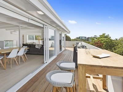 Photo for Stylish In Sorrento | Beachside with Bay Panorama
