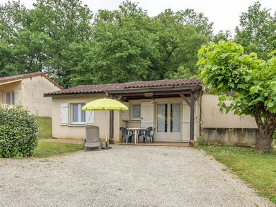 Photo for Lovely Holiday Home in Thonac with Swimming Pool
