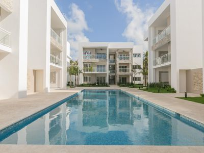 Livin' the Dream, 1BR +Pool, Walk to Beach & Dining!