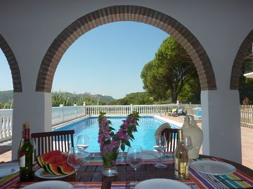 ANDALUSIAN VILLA WITH LARGE POOL FOR PERFECT FAMILY HOLIDAYS.