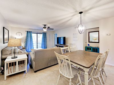 Upgraded Beach Condo with Pools, Hot Tub & Tennis