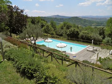 Lovely apartment with pool-near the sea.Wonderful hilly landscape.Amazing views - Le VIOLE