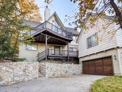 Photo for Beautiful home with fireplace, mountain views, and spacious deck