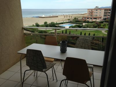 Photo for Appt High Standing seaside, swimming pool, private parking, air conditioning PROMO from 30 / 6au7 / 7