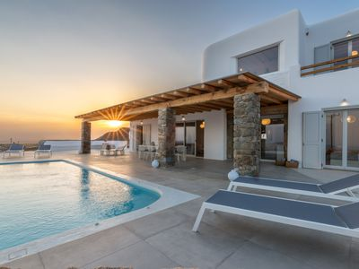 Photo for Villa Meli in Tourlos with private pool and sea views.