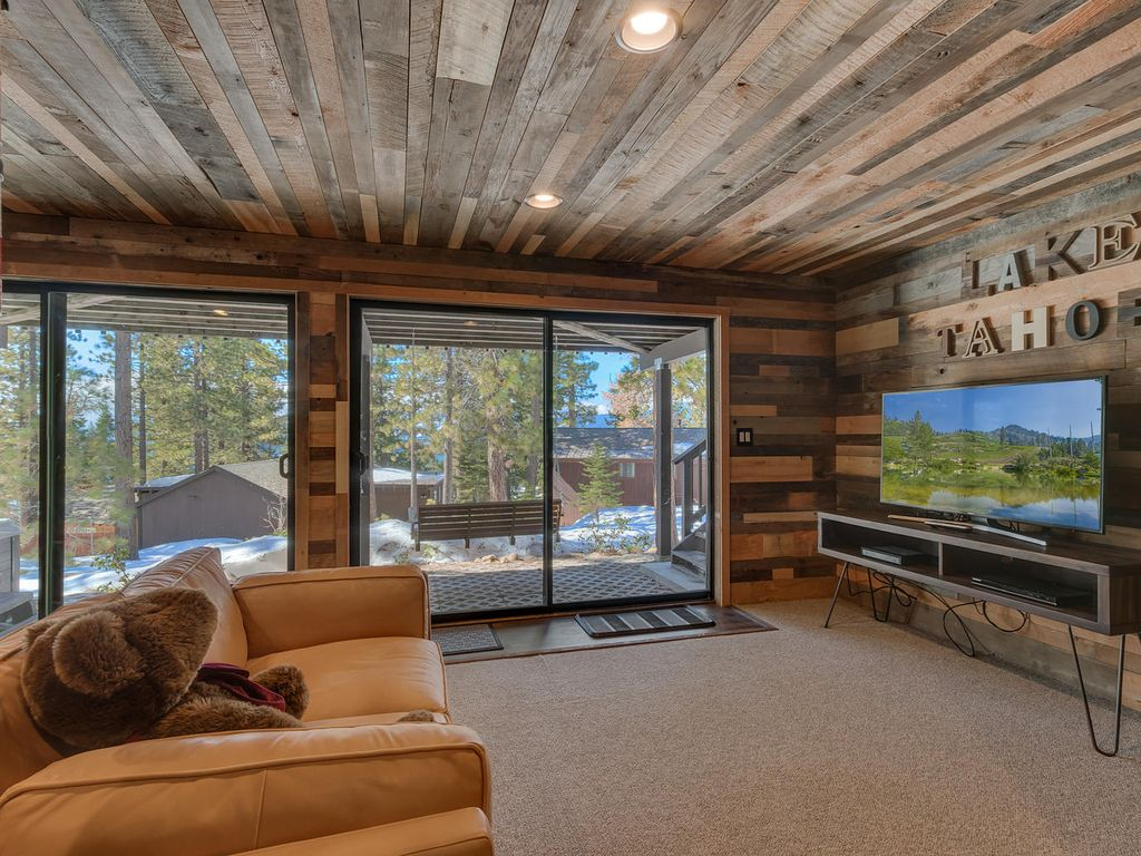 Beautiful Home In Tahoe City 39 S Dollar Point With Hot Tub