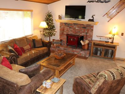 Photo for Fox Farm, Cozy cabin with a game room, hot tub, & 2 decks in a great location!!