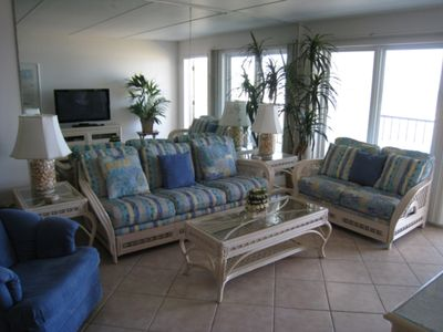 Photo for Top Floor! Wrap Around Balcony! Corner Unit: Heated Pool!