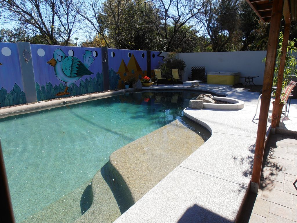 Ranked 1 by vrbo homeaway very private di vrbo for University of arizona swimming pool